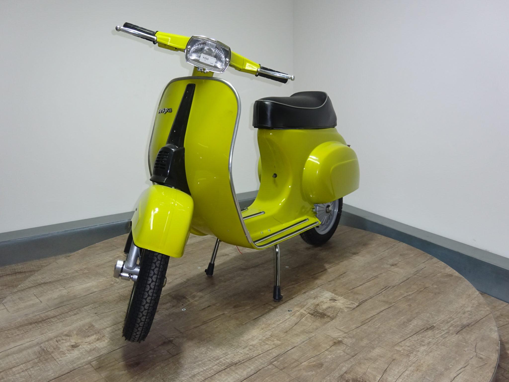 Vespa 50 special | giallo cromo