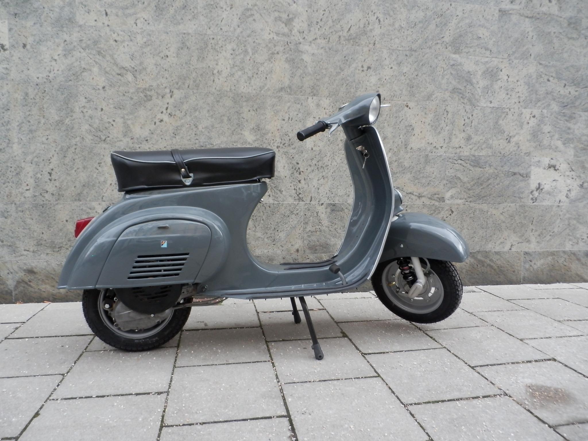 Vespa 50s | black edition
